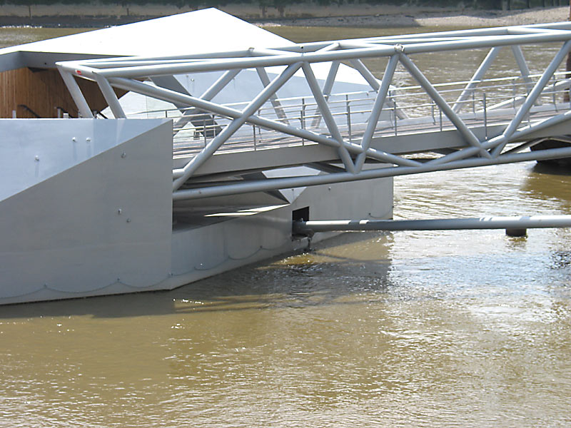 Millbank steel bridge