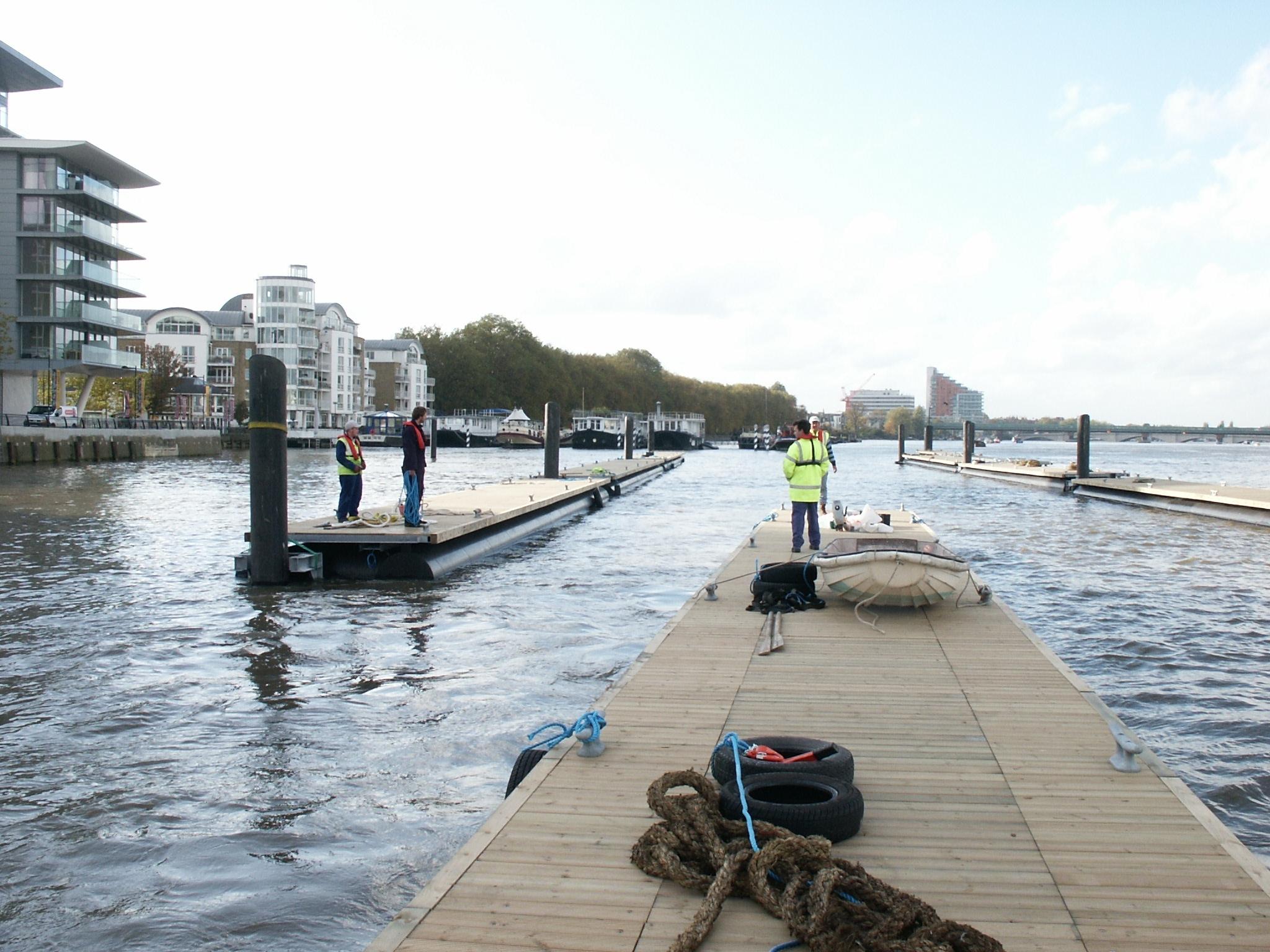 Houseboat pontoon