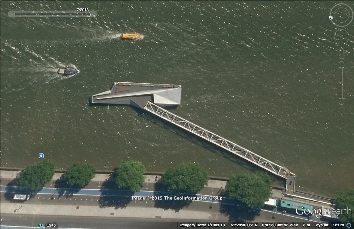 Tate Millbank pontoon